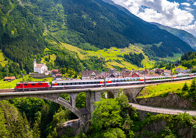 聖哥達景觀列車Gotthard Panorama Train